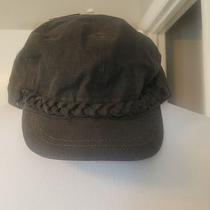 SOLD-NWT Gray Cabbie Hat